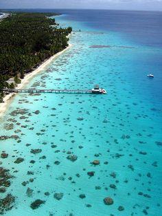 Honeymoon in Tahiti Tahiti, Bora Bora, Places Around The World, Oh The Places You'll Go, Travel Around The World, Places To Travel, Places To Visit, Travel Destinations, Dream Vacations