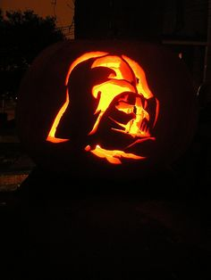 Darth vader pumpkin @Angela Clark, lets make these! Joshua would die of excitement if I did this for him