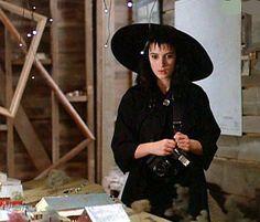 Lydia from Beetlejuice(Winona Ryder) Winona Ryder Beetlejuice, Beetlejuice Girl, Beetlejuice Costume, Sweeney Todd, Halloween Inspo, Halloween Costumes, Halloween 2019, Spooky Halloween, Halloween Party