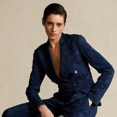 Blazers For Women, Suits For Women, Clothes For Women, Boudior Poses, Butch Fashion, Androgynous Models, Slicked Back Hair, Double Breasted Blazer, Timeless Elegance