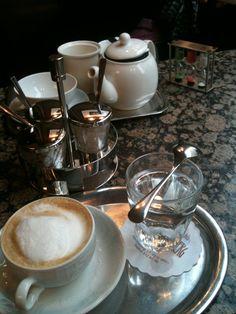 Kaffee - Viennese-style. :)