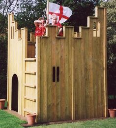 Arthur and Gwynie would LOVE to play in this castle fort! #arthurcollinsandthethreewishes