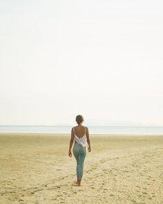 Sometimes your horizon is blank but you walk toward it anyway.  #travel #howitravel #kohphangan #thailand #amazingthailand #neverstopexploring #exploretheglobe #natgeotravel #inspirationcultmag #artofvisuals #bevisuallyinspired #agameoftones #discoverearth #adventurethatislife #VSCOcam #passionpassport #chasinglight #thecreatorclass #streetdreamsmag by jrdnbshp
