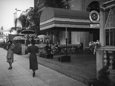 Front entrance of the Knickerbocker Hotel | Security Pacific National Bank Collection, Los Angeles Public Library
