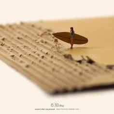 Everyday For 5 Years This Japanese Artist Creates A Fun Miniature Diorama Micro Photography, Miniature Photography, Figure Photography, Macro Fotografie, Photo Macro, Miniature Calendar, Modelos 3d, Tiny World, Mini Things