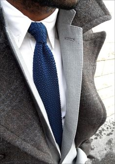 All about good knit tie game👔 Dapper Gentleman, Gentleman Style, Modern Gentleman, Look Fashion, Fashion Models, Mens Fashion, Sharp Dressed Man, Well Dressed Men, Vogue