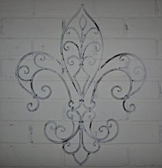 Once again for tattoo ideas. This will happen soon. Wrought Iron Wall Decor, Metal Wall Decor, Damask Stencil, Grill Design, House Paint Exterior, Metal Walls, Shabby Chic Decor, Home Decor Accessories, Tattoo Ideas