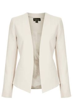 GEORGINA BLAZER Price: £48.00 Colour: BLUSH Item code: 17C02GBLS Clean tailored blazer with no front fastening and curve back. Available in other colours. 62% Polyester, 32% Viscose, 6% Elastane. Machine washable.