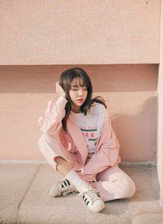 Blouson, Printed T-Shirt, & Frayed Pants Set : Blouson, Printed T-Shirt, & Frayed Pants Set Korean Fashion Trends, Korean Street Fashion, Korea Fashion, Asian Fashion, Girl Fashion, Fashion Outfits, Tokyo Fashion, India Fashion, Trendy Fashion