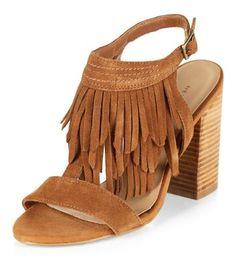 Chaussures fauve à talons block et franges