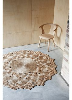 Geranium - Flower Weave Rug - Décor - Home - Superette | Your Fashion Destination.