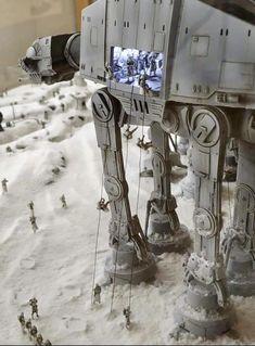 Schlacht um Hoth Diorama von L & M Studio - Star Wars Star Wars Fan Art, Star Wars Klone, Nave Star Wars, Star Wars Room, Star Wars Concept Art, Star Wars Ships, Lego Star Wars, Star Wars Pictures, Star Wars Images