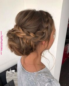 This Gorgeous Wedding Hairstyle Perfect For Every Wedding Season Check out these pretty wedding hairstyle inspiration,simple wedding hairstyle,elegant hairstyle inspiration,wedding hairstyle for long hair Loose Wedding Hair, Wedding Hair And Makeup, Bridal Hair, Hairdo Wedding, Simple Wedding Updo, Prom Hair Updo Elegant, Fancy Updos, Simple Bridesmaid Hair, Party Wedding