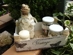 vintage fruitkistje leuk als cadeau verpakking ((simples-cajones-de-frutas)) Decoupage Wood, Chabby Chic, Fruit Box, Bottles And Jars, Vintage Industrial, Wooden Boxes, Wood Art, Diy And Crafts, Recycling