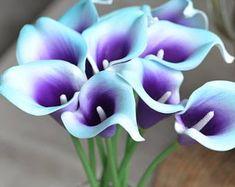 Calla Lilies Wedding Package-Picasso Purple Calla Lilies Silk   Etsy Calla Lily Wedding Flowers, Calla Lily Bouquet, Purple Wedding Bouquets, Blue Bouquet, Flower Bouquet Wedding, Bouquet Flowers, Bridesmaid Bouquet, Bridal Bouquets, Aqua Blue