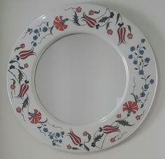 Nurcan Kara-Çini  ayna Fish Pond Gardens, Blue Pottery, Tile Art, Ceramic Painting, Decoration, Decorative Plates, Projects To Try, Ceramics, Mirror