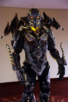 Evil FX Designs Incredibly Realistic Halo 4 Didact Costume