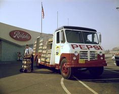 """Early view of a Pepsi-Cola truck delivering the goods on a sunny Southern California day. The supermarket in the background is Ralphs, on the corner of Victory and Buena Vista in Burbank (CA). The store's swooping """"V"""" roofline made it quite distinct Old Pickup Trucks, Lifted Ford Trucks, New Trucks, Toyota Trucks, Coca Cola, Pepsi Ad, Chevy Truck Models, Classic Chevy Trucks, Classic Cars"""
