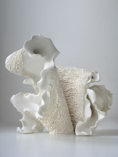 "Ceramics by Noriko Kuresumi Kuresumi on his work: "" The sea is the origin of life. Sculptures Céramiques, Sculpture Clay, Abstract Sculpture, Contemporary Sculpture, Contemporary Ceramics, Ceramic Pottery, Pottery Art, Organic Ceramics, Ceramic Texture"