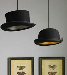 Recycler ses vieux objets: Des chapeaux à l'ancienne servant d'abats jour/ DR