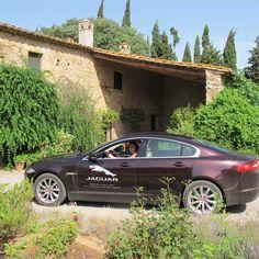 Este fin de semana he disfrutado del Jaguar XF por gentileza de mi partner BRITISH GALLERY de Barcelona. Sinceramente es un coche que colma todas mis necesidades: comfort, elegancia y glamour de una de las marcas de automóviles más prestigiosas que conozco.
