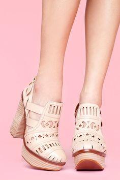 cool chunky heeled sandal