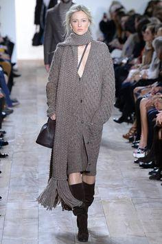 Michael Kors F/W 2014, grey scarf, grey sweaterdress, boots, crossbody bag