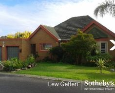 3 Bedroom house for sale in #Uitzicht Follow this link for more info:http://goo.gl/r0Bywf