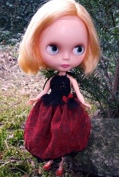 Blythe and Momoko burgundy red & black DRESS by ZomiDollClothes