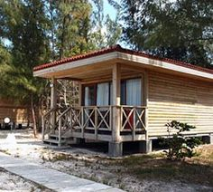 Hotel Cayo Levisa Cabins right on the beach in #Cuba book now directly on the official website for #CayoLevisa