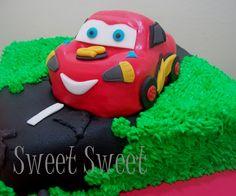 Torta Rayo McQueen Cars www.facebook.com/sweetsweetpasteleria