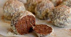 Chocolate orange fudgy balls with macadamia and medjool dates {raw, vegan, gluten free healthy} Raw Vegan Desserts, Vegan Sweets, Healthy Sweets, Fun Desserts, Vegan Raw, Vegan Meals, Vegan Life, Eating Healthy, Vegan Food