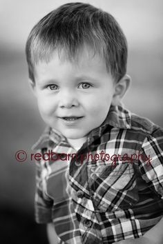 www.redbarnphotomn.com Natural Light Photographer in SW Minnesota © 2014 Red Barn Photography, All Rights Reserved
