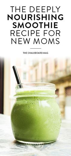 Feeling good postpartum is all about fiber and hydration! Here's a green smoothie for new moms from one of our favorite wellness pro mamas…