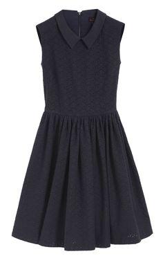 Kate Middleton Wears a Navy Mulberry Dress And Stuart Weitzman Wedges In Marau | Grazia Fashion
