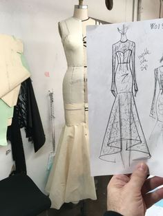 Tweets liked by 605 (@apt_605) / Twitter Fashion Design Sketchbook, Fashion Design Drawings, Fashion Sketches, Fashion Sewing, Diy Fashion, Ideias Fashion, Young Fashion, Fashion Boutique, Paris Fashion