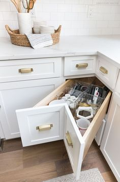 Storage & Organization Ideas From Our New Kitchen! A super smart solution for using the corner space in a kitchen - kitchen corner drawers!A super smart solution for using the corner space in a kitchen - kitchen corner drawers! Best Kitchen Cabinets, Kitchen Cabinet Storage, Storage Cabinets, Corner Cabinets, Kitchen Countertops, Soapstone Kitchen, Kitchen Sink, Kitchen Fixtures, Kitchen Backsplash