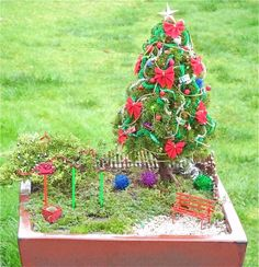 Decorating Your Miniature Garden for the Holidays – The Mini Garden Guru Christmas Garden Decorations, Garden Ornaments, Holiday Decor, Very Small Garden Ideas, Small Garden Design, Little Christmas, Winter Christmas, Merry Christmas, Garden Terrarium
