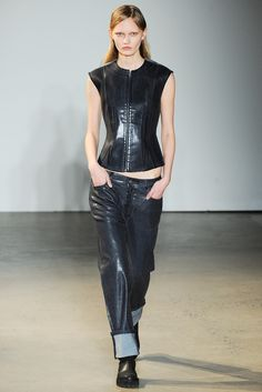 MM6 Maison Margiela Fall 2014 Ready-to-Wear Collection Photos - Vogue