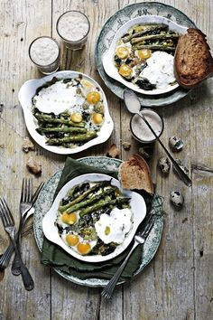 Baked green eggs - Pratos e Travessas | Food, photography and stories - Mónica Pinto