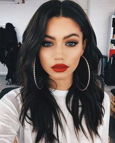 35 Sexy Makeup Ideas for Valentine's Day Will Inspire You San Valentino, Trucco per San Valentino, Trucco sexy, Trucco drammatico Beauty Make-up, Beauty Hacks, Hair Beauty, Beauty Tips, Beauty Style, Red Lip Makeup, Prom Makeup, Black Makeup, Clown Makeup