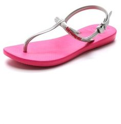 Havaianas Freedom T Strap Sandals   The Pink Frock | Private Client Styling and Personal Shopping Firm | Valentine Gifts