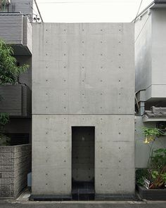 Row House in Sumiyoshi / Tadao Ando [住吉の長屋/安藤忠雄] 1976 Tadao Ando, Architecture Résidentielle, Minimalist Architecture, Contemporary Architecture, Sustainable Architecture, Casa Azuma, Japanese House, Facade House, Brutalist