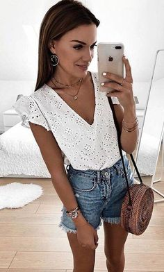 Suffice it to say, casual summer outfits are what we live in this time of year—and since we suspect many of you feel the same way. Summer Outfits Women Over 40, Cute Summer Outfits, Spring Outfits, Cool Outfits, Casual Outfits, Fashion Outfits, Summer Clothes, Casual Summer, Casual Fall