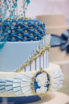 Cameo Wedding Desserts and Wedding Cake / The People's Cake / Alante Photography / Seattle Wedding I love the top layer Amazing Wedding Cakes, Elegant Wedding Cakes, Amazing Cakes, Cake Wedding, Cupcakes, Cupcake Cakes, Gorgeous Cakes, Pretty Cakes, Cameo Cake