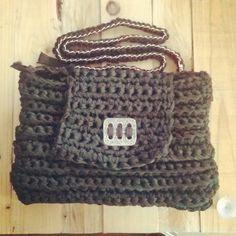 bolso de trapillo con forro cierre cremallera y bolsillo interior