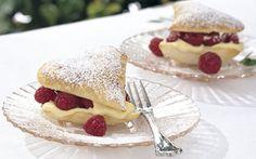 Butterdejshjerter med kvarkcreme og hindbær