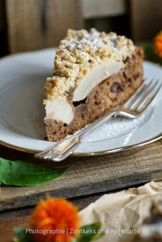 Kennt Ihr noch Birne Hélène? Schoko-Birnen-Kuchen mit Knusperstreuseln