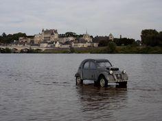 Citroën 2CV Sahara 4x4. Nothing stops the 2CV!