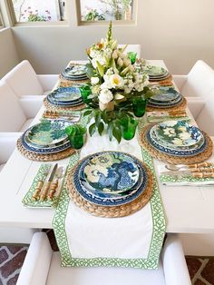Dining Room Table Decor, Deco Table, Decoration Table, Blue Table Settings, Beautiful Table Settings, Table Setting Design, Table Set Up, Tropical Decor, Chinoiserie